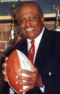 Legendary Coach Eddie Robinson Named 2015 American Football Coaches Association's Trailblazer Award Winner